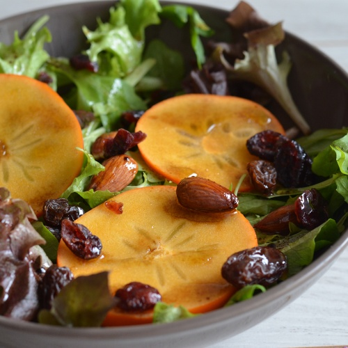 Salade de kakis aux fruits secs